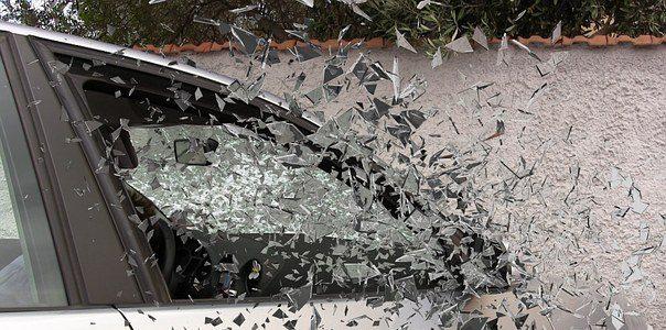 car-accident-337764__3401